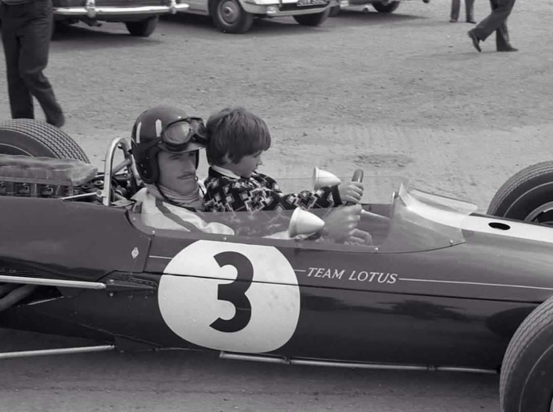 Mooi moment. Graham en Damon Hill, 1967.