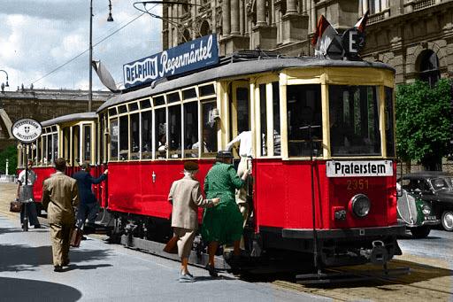A Tram in Vienna  #Vienna #Wienpic.twitter.com/Kl9WuDo8TV
