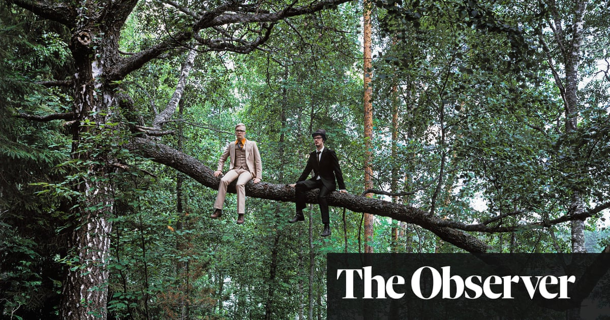 Ville Lenkkeri's photograph captures his sorrow at having to cut down a beloved tree from his childhood #psychology http://www.theguardian.com/artanddesign/2020/mar/22/big-picture-special-branch-finland-ville-lenkkeri …pic.twitter.com/cOT1QiCvyI