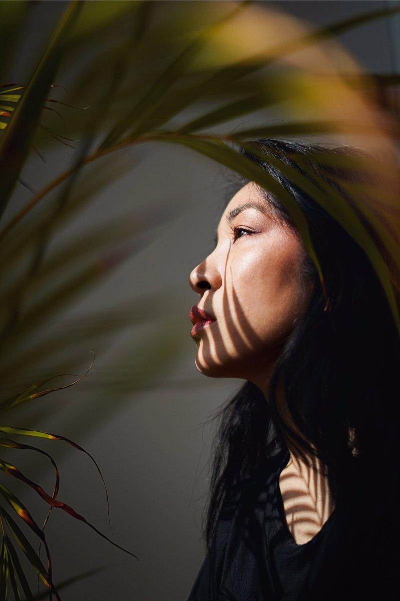 光の中の影を見据えて。  #ルミナーと私の世界   #fujifilm_xseries #portraitphotography #ポートレート #ファインダー越しの私の世界 #Shadowhunterspic.twitter.com/dDROgNTYrN