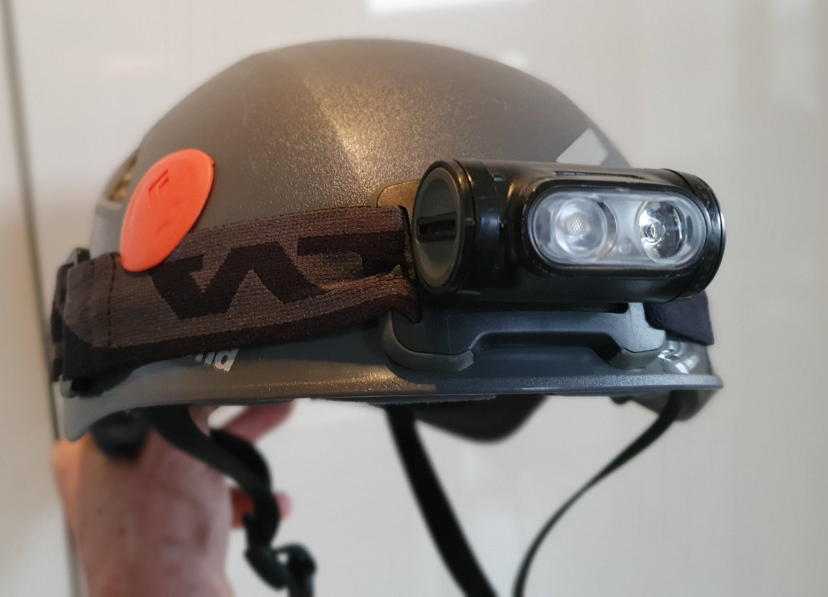 Tom's WW1 Italian Front listicle, part 6  Top 5 Battlefield Touring Essentials   5. Head torch and (optional) helmet. There are lots of tunnels and shelters to explore, and the light on your phone isn't good enough (or hands-free). A helmet will prevent concussion and bloodshed.. pic.twitter.com/9sUuVLtx7t