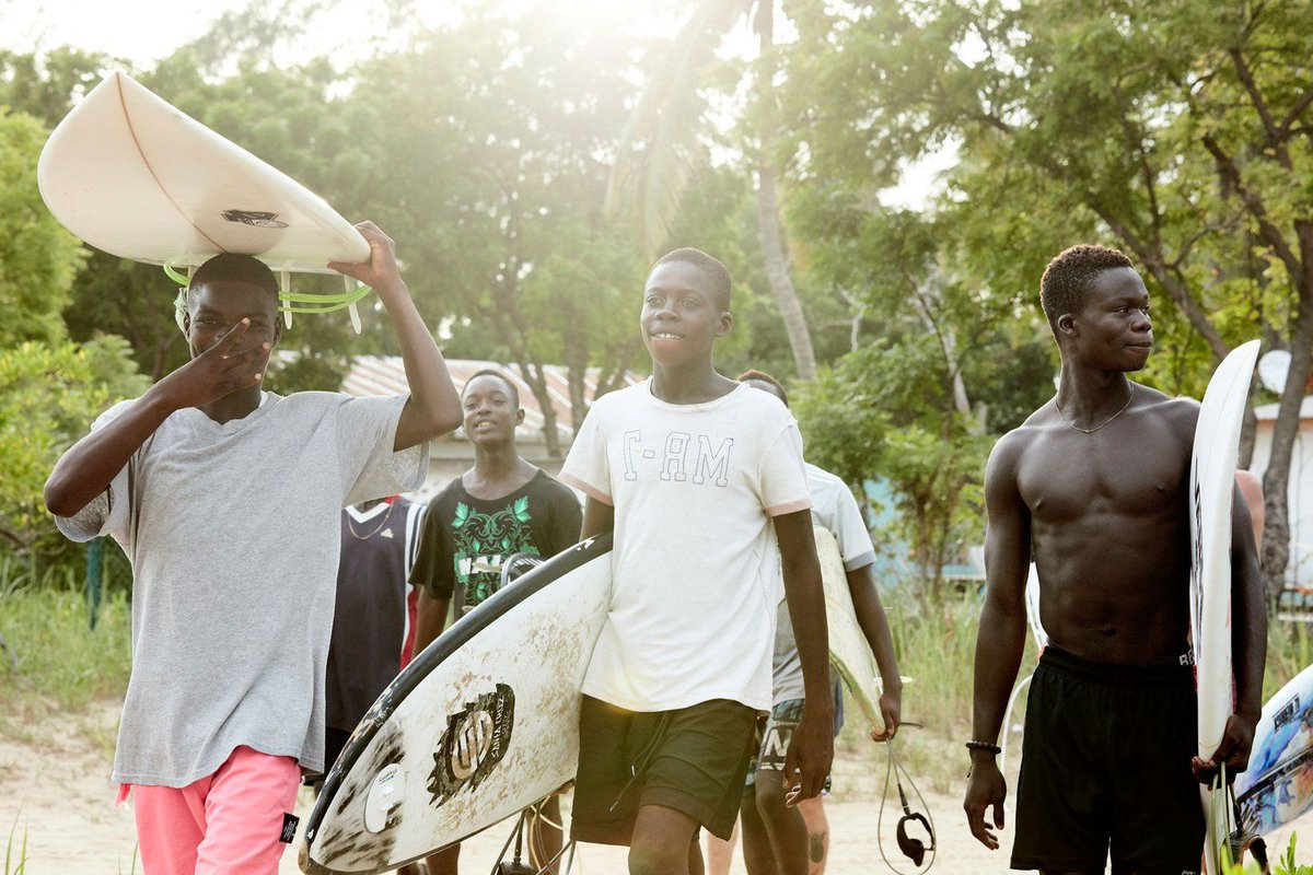 . @OliHillyerRiley documents a close knit, and under-threat, surfing community in Nigeria > bit.ly/2JuHKfw
