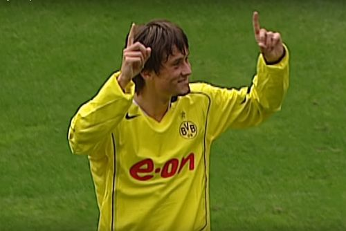 21-year-old Tomáš Rosický for Borussia Dortmund during 2001/2002 season:  ✅49 games ⚽️6 goals 🅰️20 assists  The Little Mozart. Brilliant player. One of the best attacking midfielders in the 21st century. Such a shame he had so many injury issues.