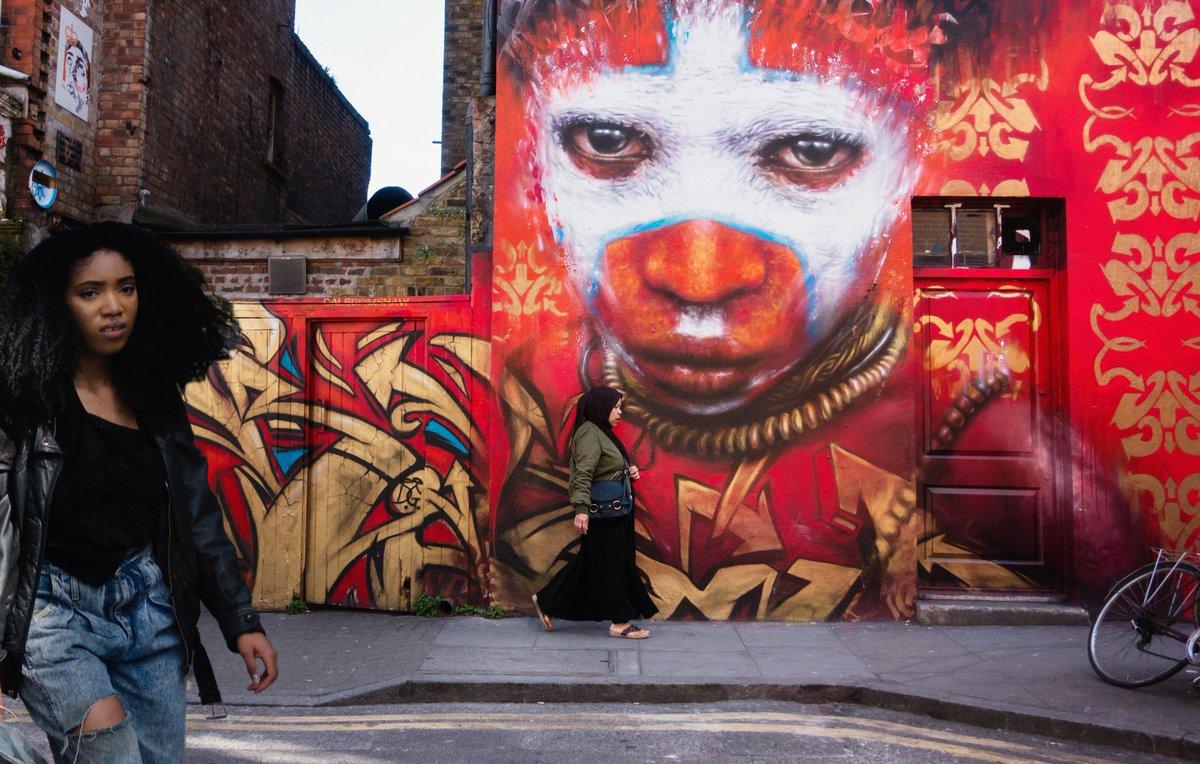 Diversity.  #ul #london #streetphotography #candid #streetartpic.twitter.com/Yip4pSZxmd
