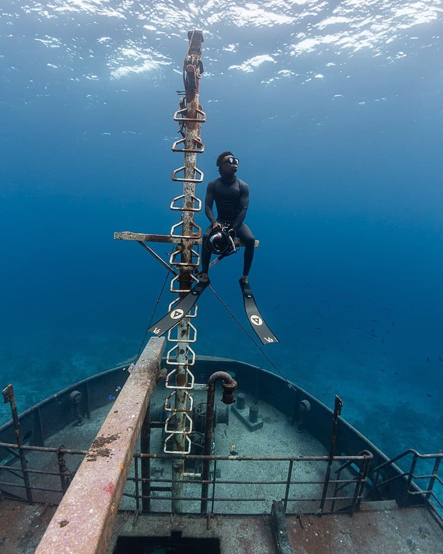 follow us for more visit @freedivinguae http://freedivinguae.com @apnea.pirates . Repost @andremusgrove . #diving #freedive #adventure #ocean #apnea #scuba #freediver #scubadiving #diver #uwphotography #sealife #freedivingphotography #protectocean #underwaterlife #onebreathpic.twitter.com/h3INbuX4Vo