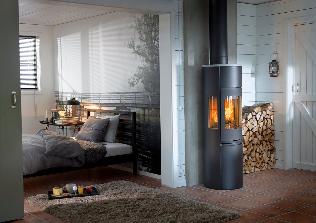 Doesn't this look so cosy? A woodstove can work in any area of your home. The Contura 596 stove is shown here in black. https://www.ironandwood.co.uk/contemporary-stoves/ … #woodstove #cosyhome #stayhome #loveyourhome #woodburningstove #stoves #logburner #banbury #kidlingtonpic.twitter.com/onhOrwWOf9