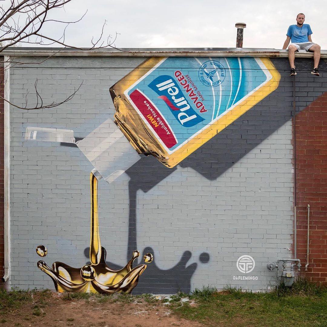 ... gold can have the most unexpected appearance. Art by Darion Fleming in Charlotte, USA #StreetArt #Art #Gold #Symbolism #Coronavirus #StayAtHome #Graffiti #Mural #Urbanart pic.twitter.com/1c7zG1iyy8