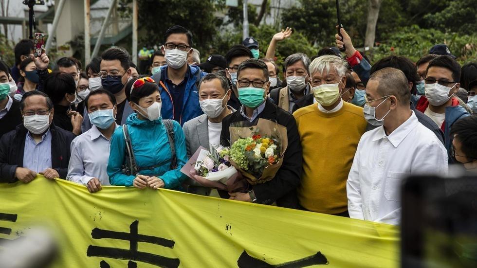 #Hong_Kong : le soutien aux manifestations pro-démocratie en hausse, un an après leurs débuts - http://www.rfi.fr/fr/asie-pacifique/20200331-hong-kong-an-apr%C3%A8s-le-d%C3%A9but-manifestations-pro-d%C3%A9mocratie-le-soutien-populai…pic.twitter.com/oSpKsbNshi