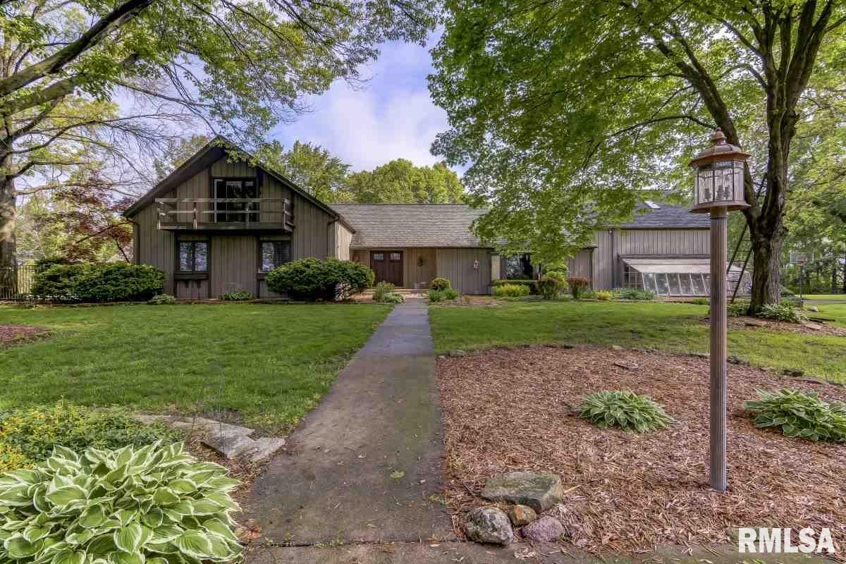 Experience a virtual tour of RE/MAX Professionals's listing on 1500 Rachel #Springfield #IL  #realestate http://tour.corelistingmachine.com/home/9L4HSD  RE/MAX Professionals