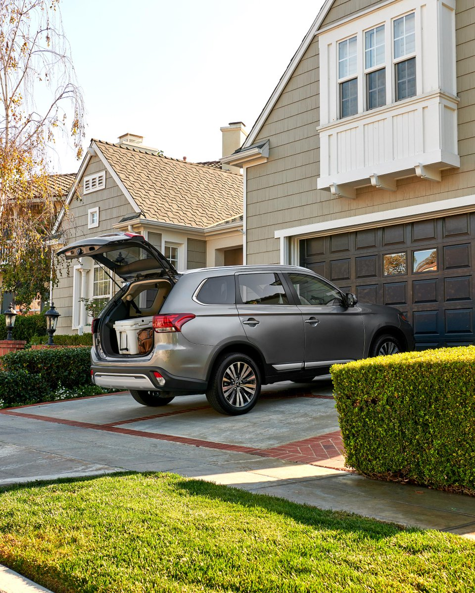 Packing in or packing out? What's your #DrivewayVictory? #MitsubishiOutlander