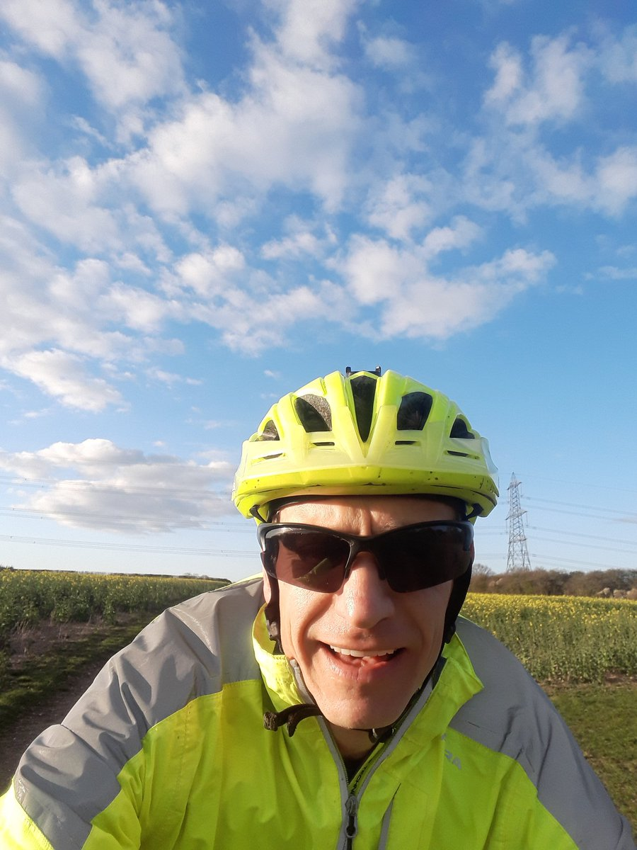 Managed a short ride in lovely weather today just after a local litter picking session with my youngest #GetOutside #366outdoorchallenge #Lutonoutdoors #activebedfordshire #staylocal @ActiveLuton @OSleisure @teamBEDS