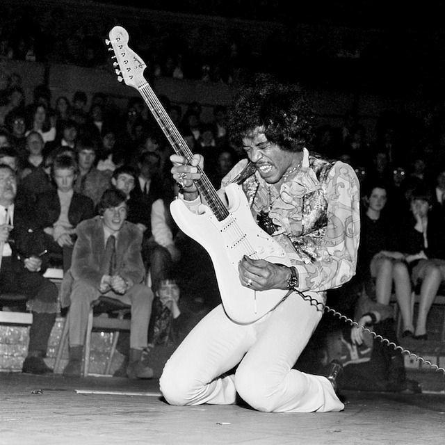 """When I die, just keep playing the records."" -  Jimi Hendrix  #vinylrecords #JimiHendrix pic.twitter.com/KorPjD5BU8"