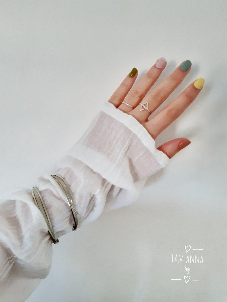 Spring color nails... • • • #nails #nail #fashion #shirt #nailart #nailpolish #衬衫 #polish #nailswag #beauty #beautiful #vernisàongle #pretty #girl #粉 #stylish #sparkles #styles #gliter #art #opi #manikyua #指甲油 #unhas #preto #マニキュア #maenikyueo #매니큐어 #shiny #cutepic.twitter.com/p6zTcoKLhl