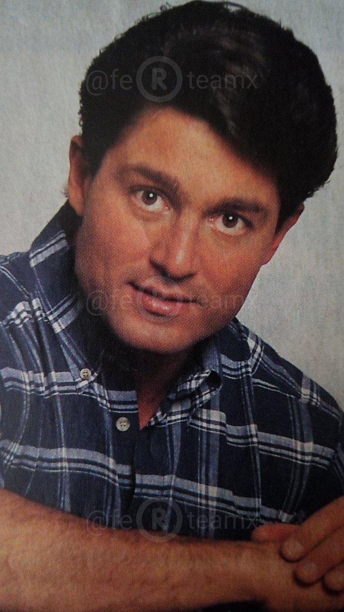 "colunguerasteam auf Twitter: ""#laestrella #FernandoColunga como José  Armando Peñarreal #Esmeralda el primer doctor que nos atendió ? #superstar  #CanaDoradaFestival #Malverdelaserie #superman #Colungateam?  https://t.co/dXmPyZLZwq"""