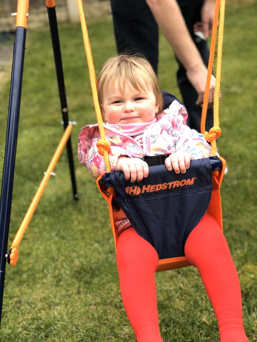 Early Easter present for the princess  #swing  #babyheidi #growinguptoofast pic.twitter.com/ZwO1PJ9OyS