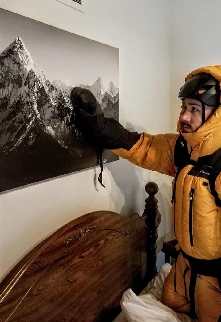 Climbers during quarantine :) #mountains #climbingpic.twitter.com/a1YPS9MT0a