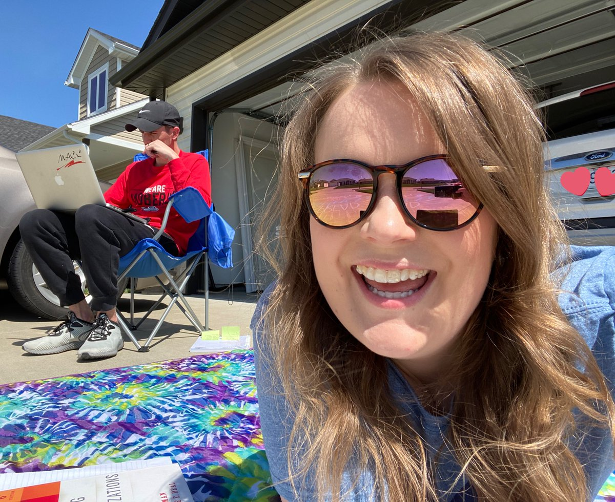 @Coach_Yung and I trying to make the best of our current situation by taking our work outside. Don't worry, we're 6 feet apart I really miss my #TrustyHuskies! #CPSBestpic.twitter.com/ca0vzxQViW