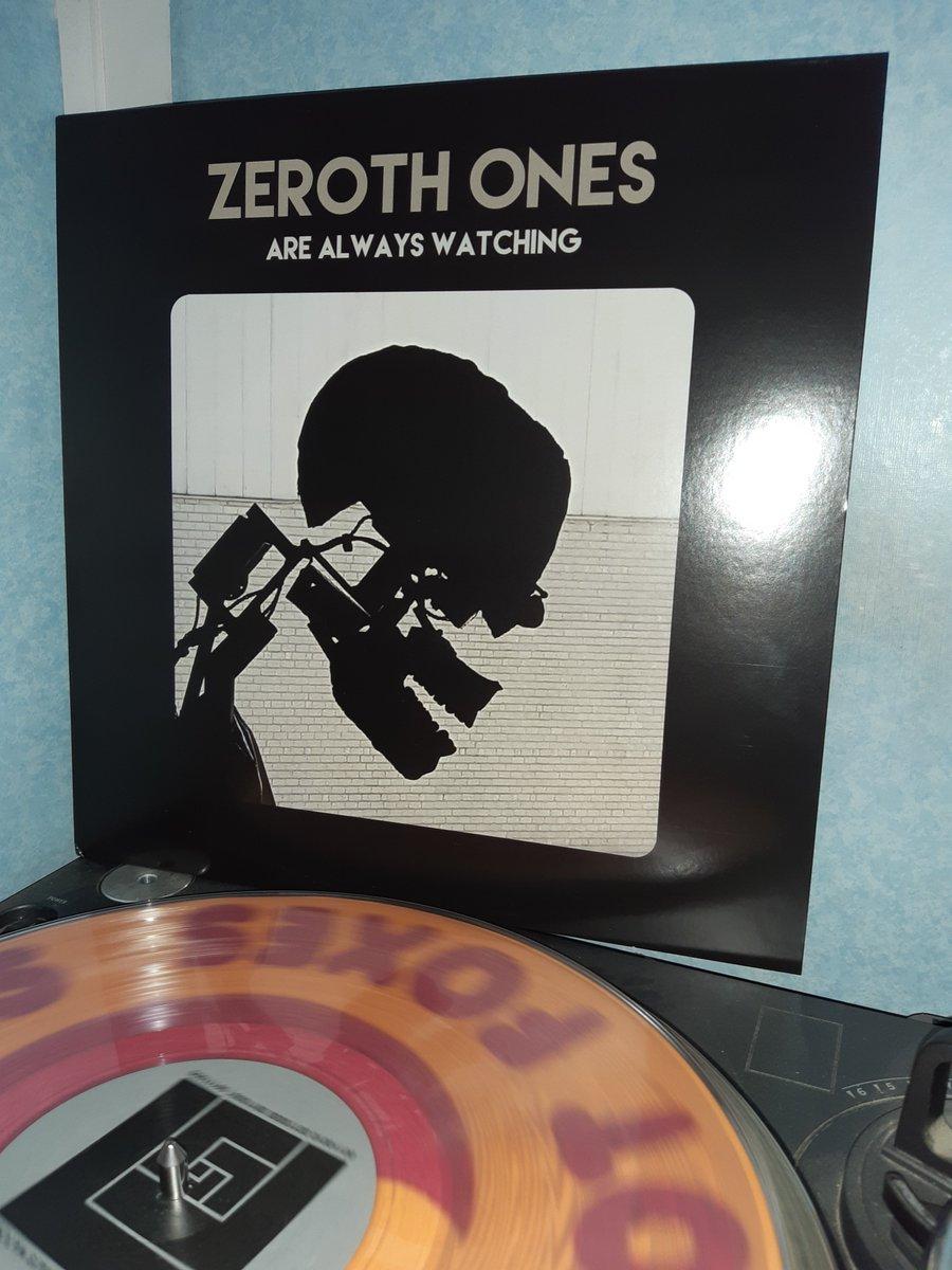 #vinylrecords #NowPlaying #ZerothOnes 2018 self released (US)pic.twitter.com/ewa6TPPDlw