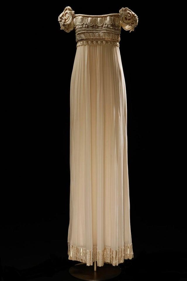 Eeeee princesu Serenity   -Palladio dress, Dior, 1992  -Copics, pen brush & tip ex  #nopencil #freehand pic.twitter.com/JMw0tGr2VL