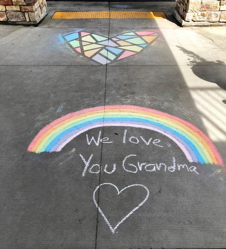 This adorable note was left for one of our New Perspective West Fargo residents by their loving grandchildren! It's great to see all of the creative ways families and friends are communicating with our residents. #seniorliving #seniorcare <br>http://pic.twitter.com/757cClAcR1