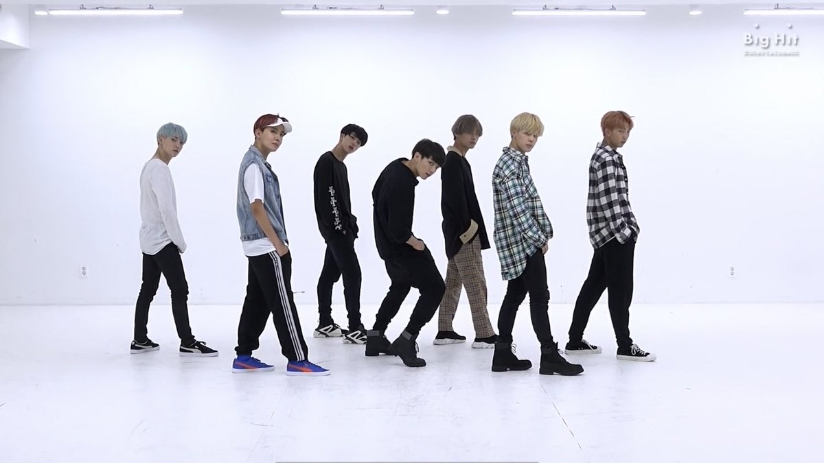 best bts choreography came out of this dance studio, don't @ me pic.twitter.com/vzvOSr6sLa
