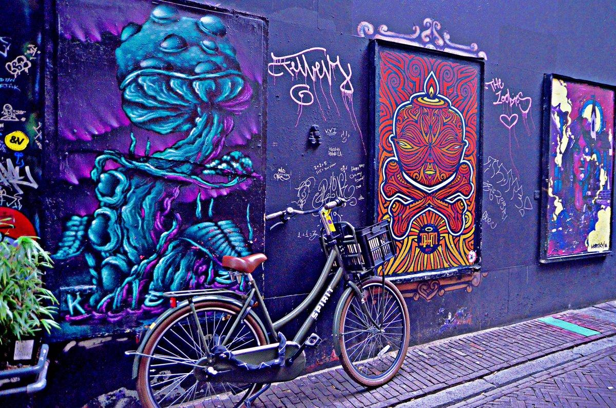 Around #Amsterdam pic.twitter.com/MGSDMjqOvo
