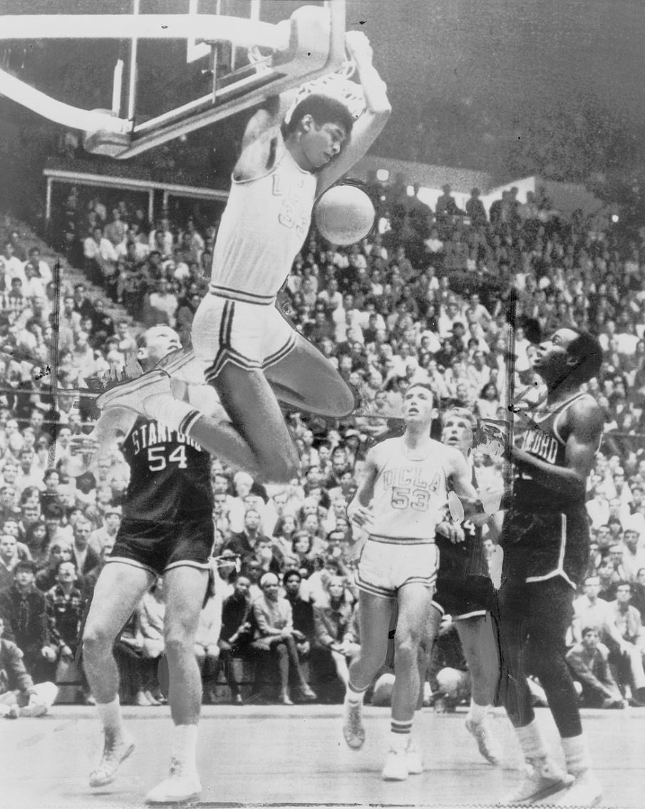 @MagicJohnson's photo on Lew Alcindor