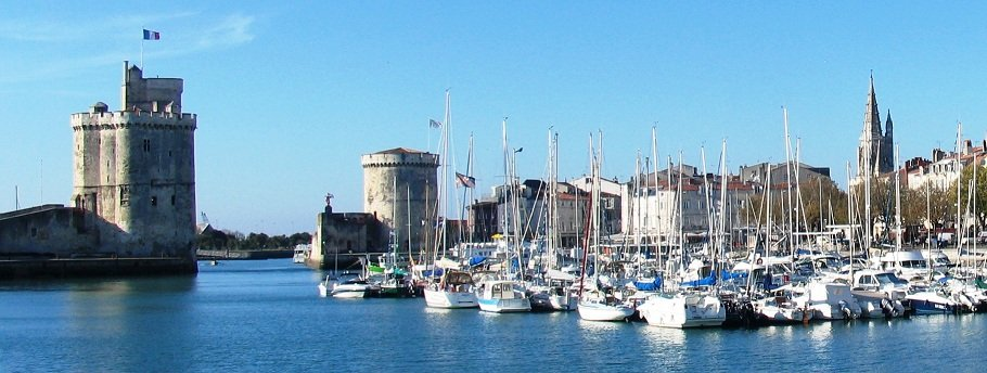 La Rochelle, Charente-Maritime - the three towers...#MagnifiqueFrance #France pic.twitter.com/mt8yZcd1RB