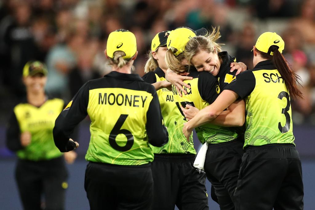 Australia in Women's #T20WorldCup: 7️⃣ appearances 6️⃣ finals 5️⃣ titles WHAT. A. TEAM.