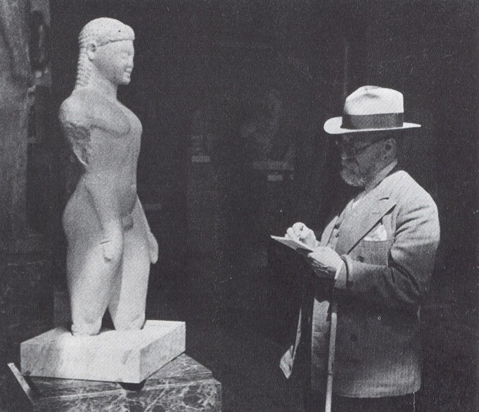 Matisse drawing a Greek Kouros at the Louvre Museum 1932.