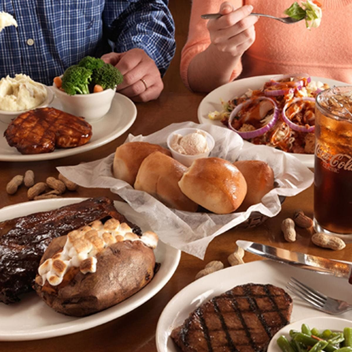 Texas Roadhouse Family Packs from $19.99!  http://dealsplus.com/Grocery_deals/p_texas-roadhouse-family-pack-4-burgers-sides-salad…