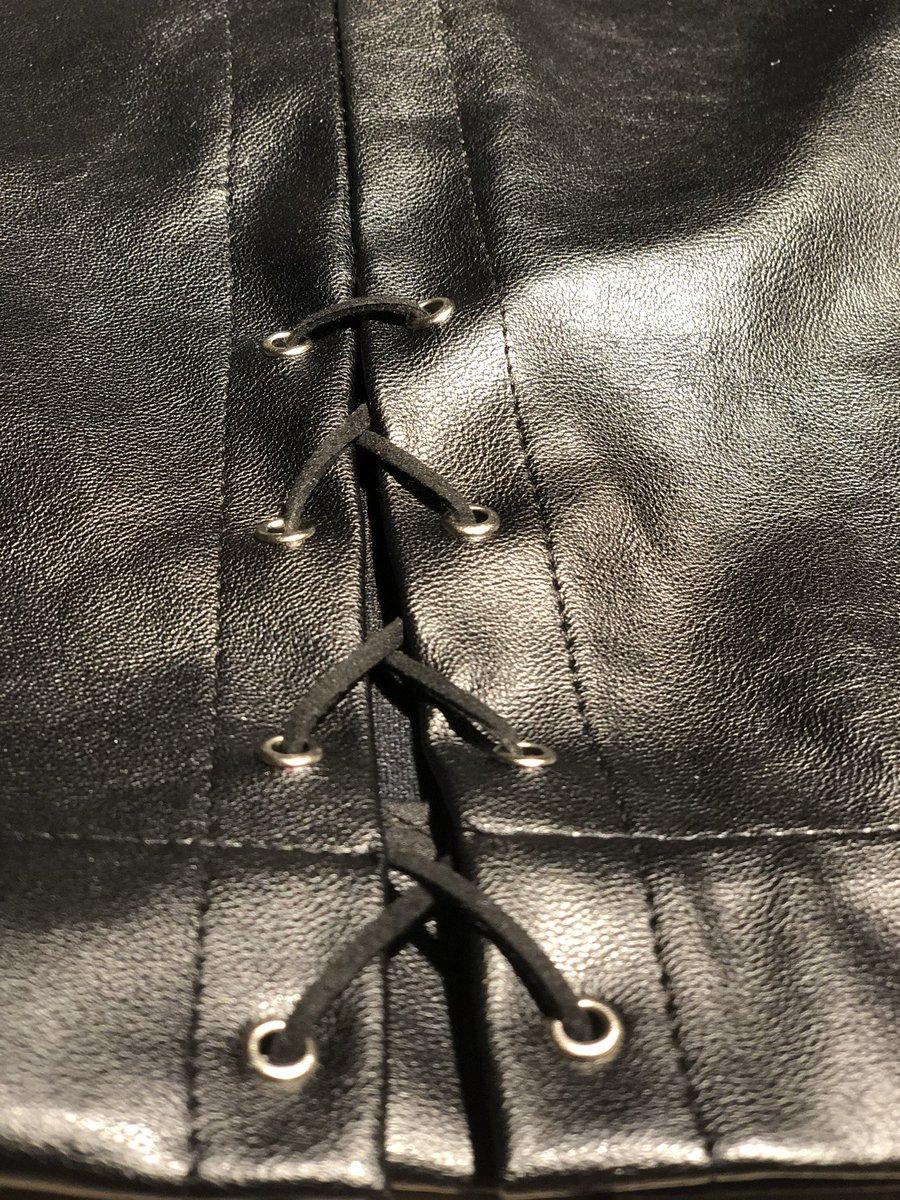 #fashion design#leather skirt#spring fashion# pic.twitter.com/nFIysT7D0z