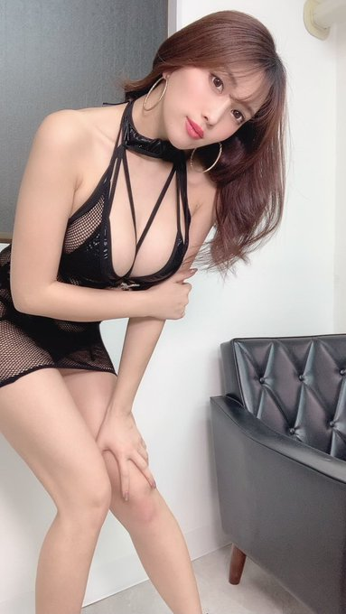 グラビアアイドル森咲智美のTwitter自撮りエロ画像23