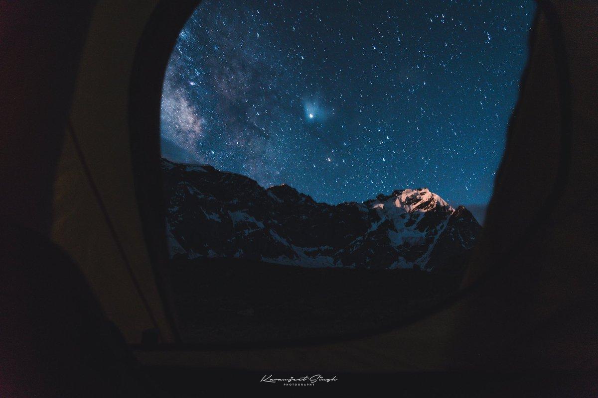 Billion Stars Camp  #astrophotography #astronomy #nightphotography #photography #moon #space #stars #longexposure #nightsky #astro #night #milkyway #kargil #astrophoto #universe #sky #nature #galaxy #longexpo #ladakh #nasa #telescope #landscape #milkywaychasers #cosmos #nikonpic.twitter.com/FlmBRo6YN5