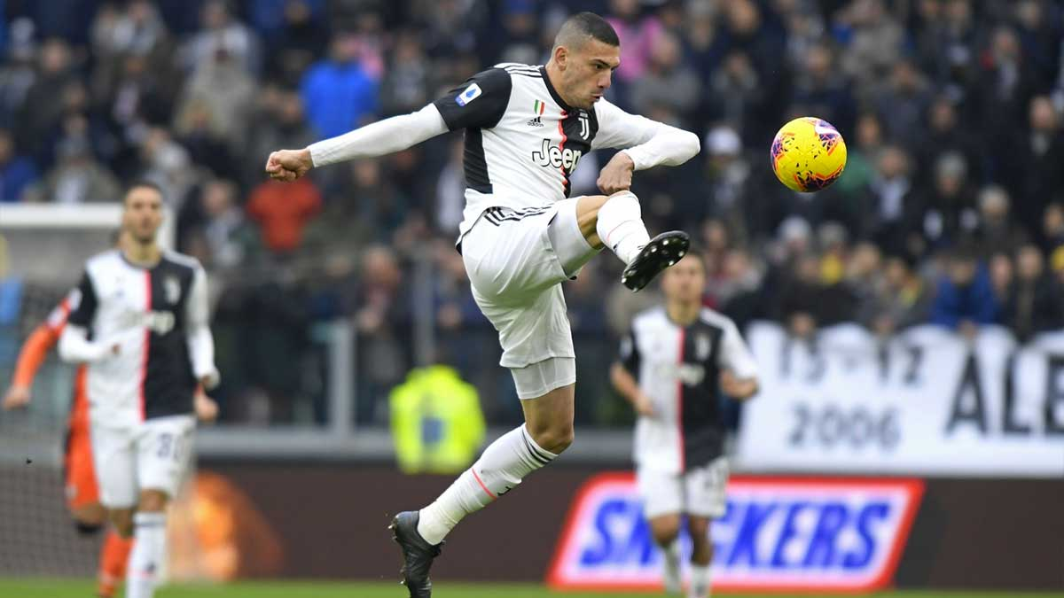 Merih Demiral v Udinese (H), Serie A 2019/20 🎩 1 assist 🎯   🎩 7 clearances 🔝  🎩 5 aerials won 🔝  🎩 2 interceptions 2️⃣ 🎩 95% pass success 2️⃣  📸: Juventus 🏷️: #MerihDemiral #JuveUdinese https://t.co/yVdhDlunSX