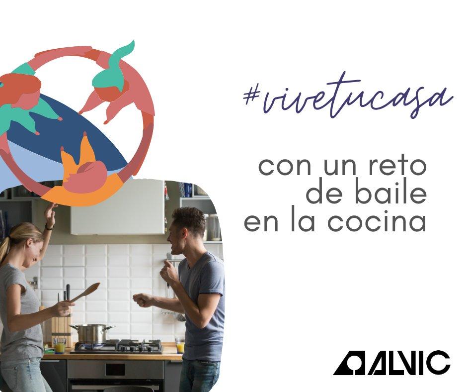 ¡Es hora de ponerse a bailar! Hoy, en nuestro challenge #vivetucasa te retamos a hacer una competición de baile en la cocina. ¿Te atreves? https://t.co/qSTCRAB2My