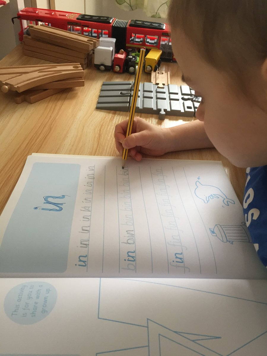 @knightontmet Timmy #reception enjoy practice writing and sister Michaela #year 2 enjoy  http://ukhosted113.renlearn.co.uk/2242437/pic.twitter.com/vy9CmXrRuL