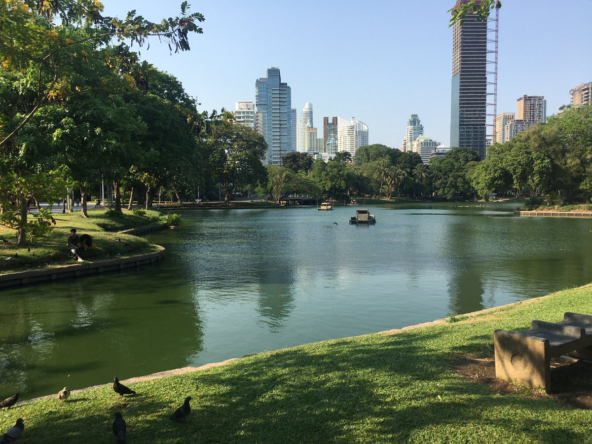 Saw that #Bangkok is closing public parks starting tomorrow so had to stop at Lumpini on the way home. Losing the parks is going to tough on a lot of Bangkokians.  pic.twitter.com/ZFEcyUmAo0