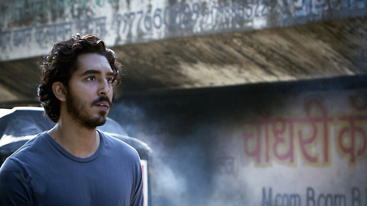 #filmoftheday Garth Davis' @LionMovie tells the story of Saroo – who is separated from his family aged five. He returns to India 25 years later. Stream on @NetflixUK: https://bit.ly/2QWd5f9pic.twitter.com/uKslSVwtey