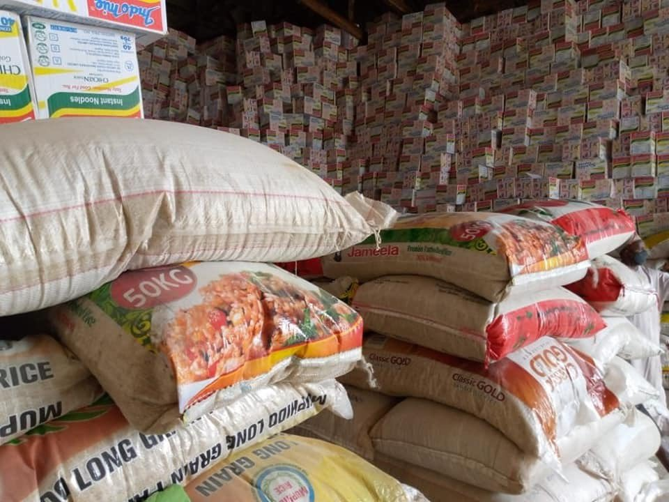 As the KDSG begins distribution of food and other forms of palliatives to its most vulnerable population to help ease the effects of the lockdown imposed, the govt is calling on well meaning Nigerians to contribute to ensure that the poorest among us are able to eat decent meals.