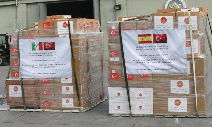 CORONAVIRUS UPDATES - Turkey has sent medical aid packages with Jalaluddin Rumi's words on to Italy and Spain to help their fight against the coronavirus (COVID-19) pandemic. #COVID19 https://www.duvarenglish.com/health-2/coronavirus/2020/04/01/turkey-sends-medical-aid-packages-with-rumis-words-on-to-italy-spain/ …pic.twitter.com/GtKZENl8Bj