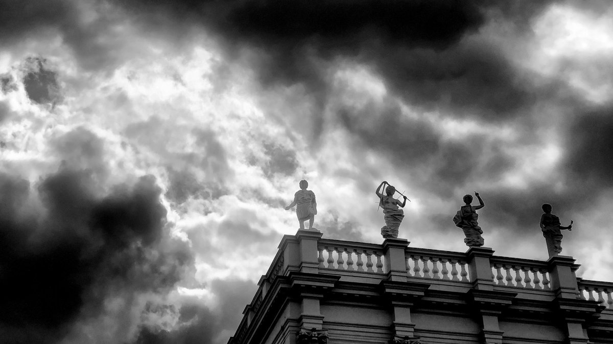 With a better view, you can just look ahead  #berlin #photography #blackandwhite #monochromepic.twitter.com/Jnv00pg7wA