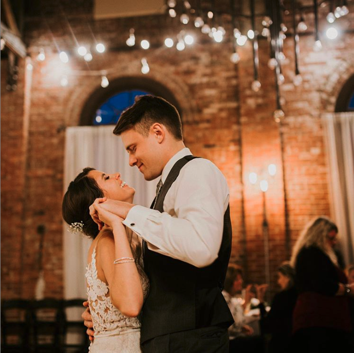 True love is when both people think they're the lucky one   Photo by Kahlie Mae Photography #weddingwednesday #neidhammerwedding #loveindy pic.twitter.com/ppKDclExQG