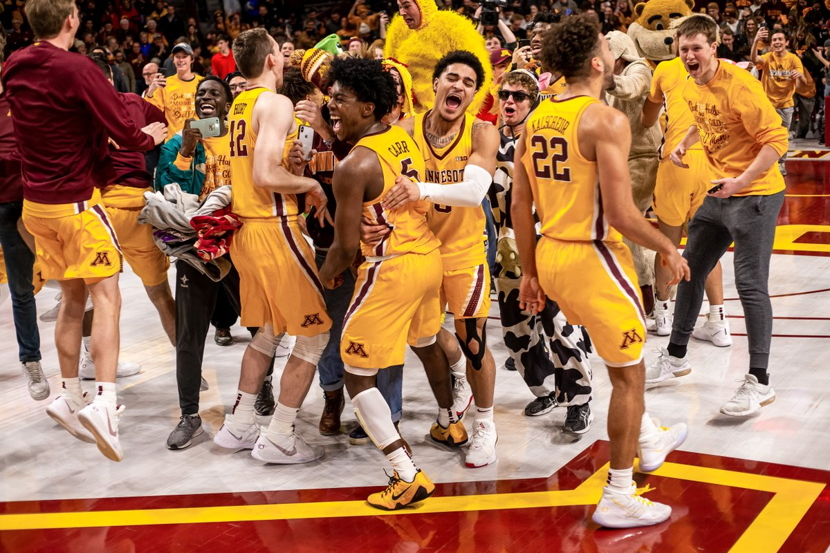 One of our favorite moments and your favorite Photo of the Year. Thanks for voting, #Gophers!