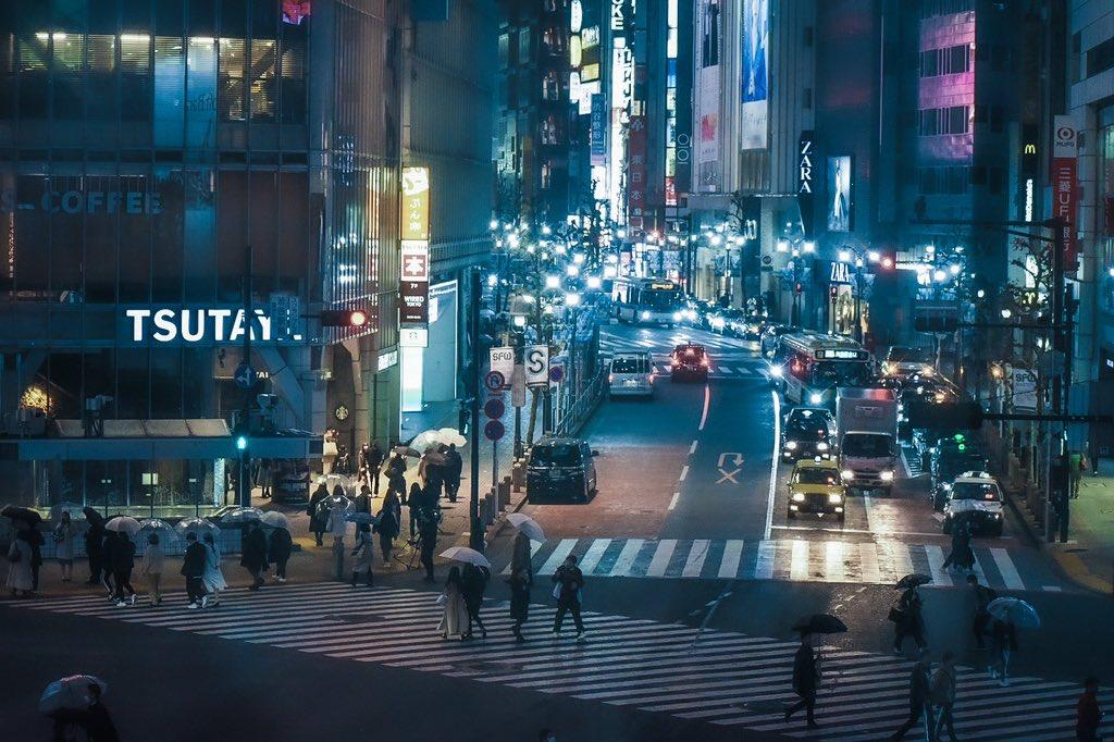 NIGHT TOKYO  10 p.m. RAIN  #photography #東京カメラ部 #カメラ好きな人と繫がりたい #写真好きな人と繋がりたい #ファインダー越しの私の世界ᅠpic.twitter.com/fwGRc8HH6A – at 渋谷 (Shibuya)