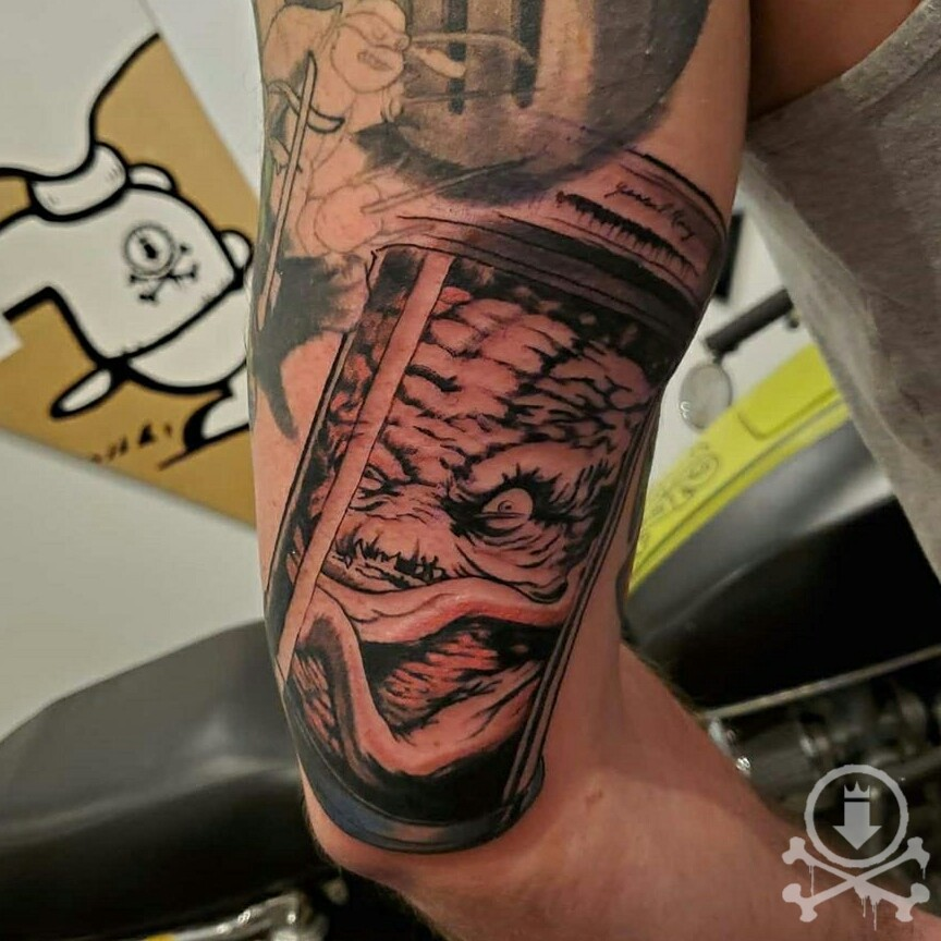 Mike Sedges at our Brooklawn, NJ shop is off to good start on this awesome General Krang tattoo  #12ozstudios #team12oz #tattoos #tattooart #Tattooing #tattooinspiration #tattoo #krang #generalkrang #TMNTpic.twitter.com/wFuoNwz5EW