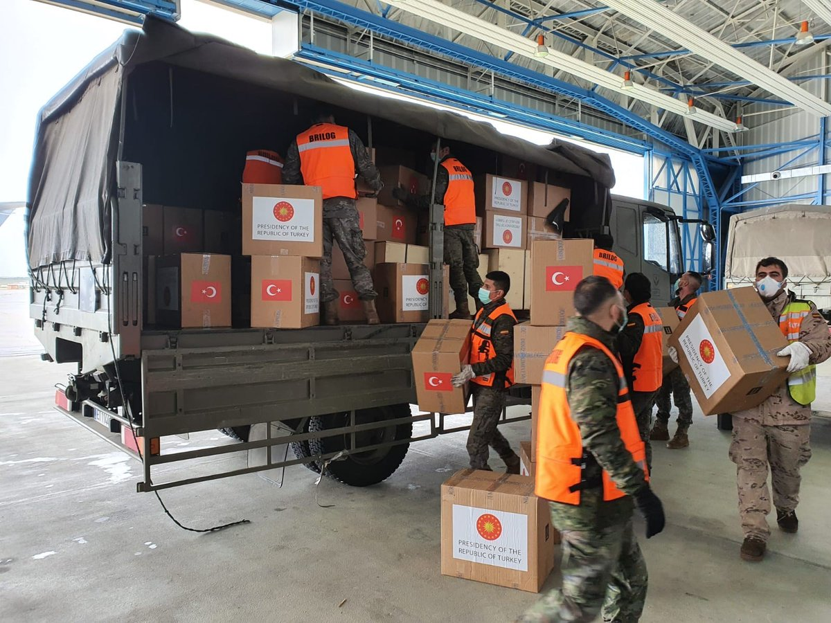 A plane of the Turkish Air Force brings medical supplies donated by #Turkey to #Italy & #Spain in response to Allied requests to respond to #COVID19 through @NATO's Euro-Atlantic Disaster Response Coordination Centre.   http://bit.ly/2xDof1u  #WeAreNATO #StrongerTogetherpic.twitter.com/qm0I1C9kaK