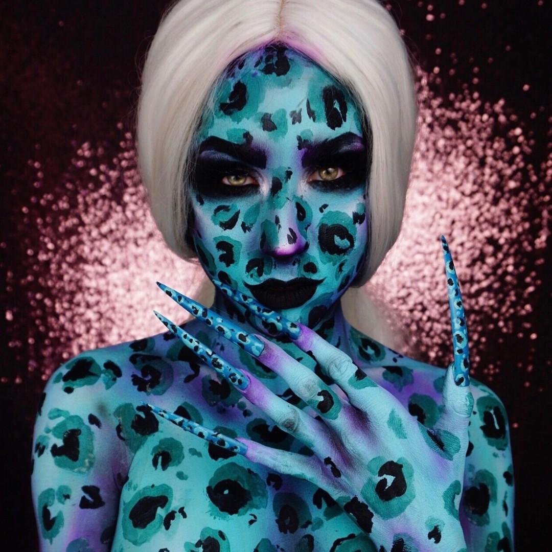 Feelin' Wild?? by @twistinbangs using ALL Paradise Makeup AQ!  #mehronmakeup #paradisemakeupaq #leopardprint #leopard #leopardmakeup #animalprint #wild #facepainting #bodypainting #creativemakeup #detail #color #promakeuppic.twitter.com/MarH4uYjoM
