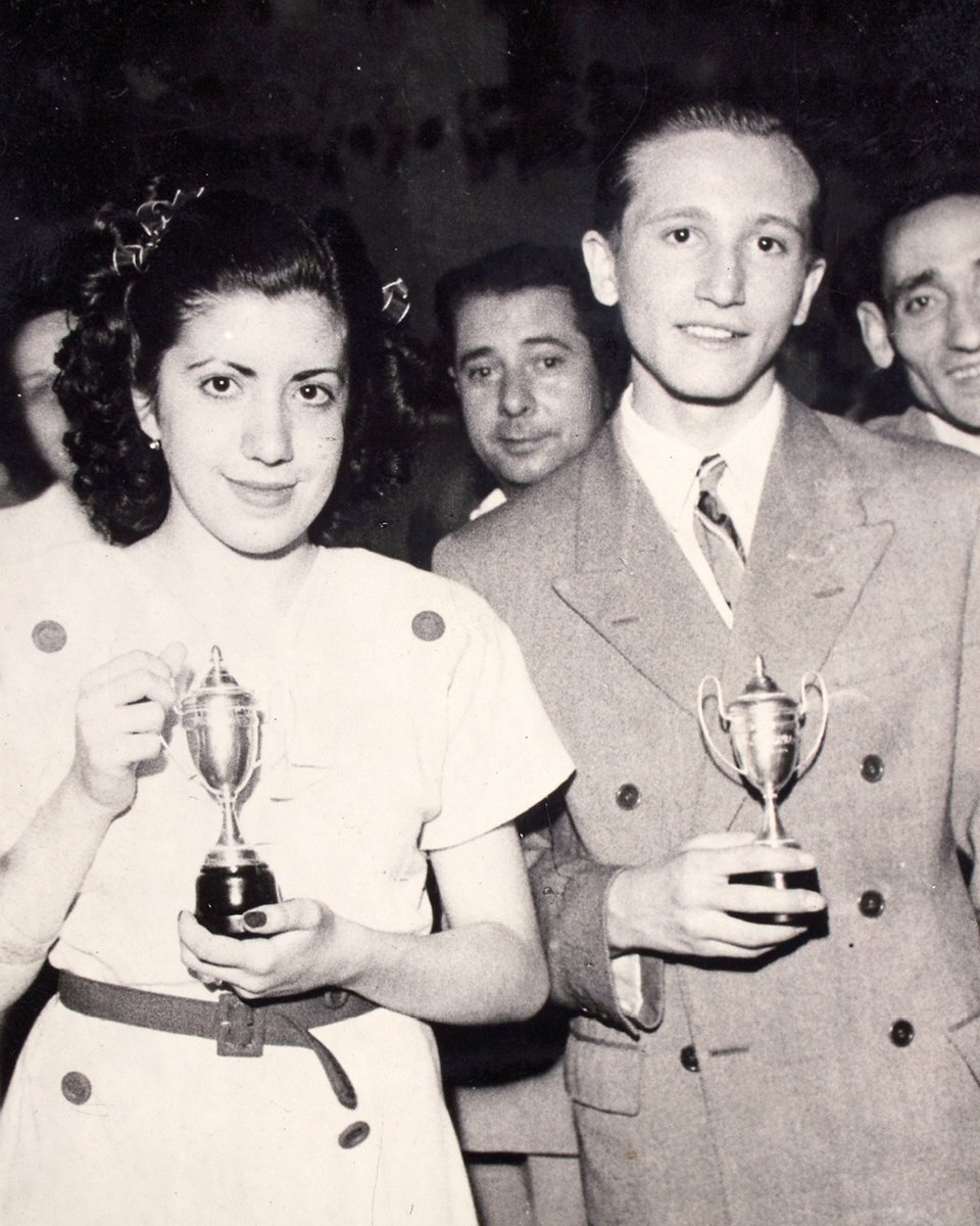 We are delving into our archives to unearth material that tells a part of LOEWE's history. During the 1940s, 50s and 60s, LOEWE organized annual contests for the employees.Pictured here are the winners. Madrid, 1947. #LOEWE #LOEWEarchives