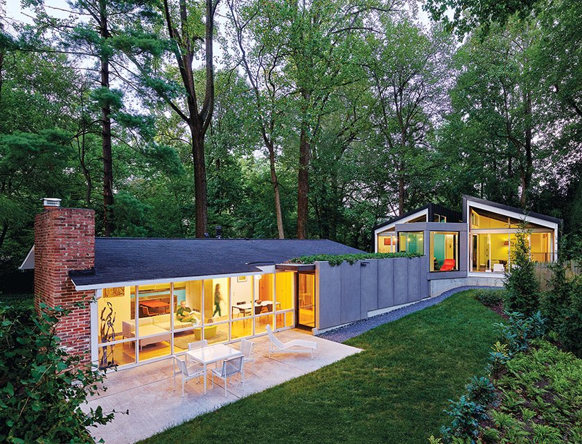 Tucked into the rear of the Silver Spring mid-century home, an addition blends seamlessly; the abode was transformed for contemporary living.  Reno Arch: Janet Bloomberg |@KubeArch  Contractor: ThinkMakeBuild Landscape: CampionHruby : A. Hoachlander & Julia Heinepic.twitter.com/823uv97EzD